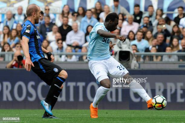 Felipe Caicedo of SS Lazio in action during the serie A match between SS Lazio and Atalanta BC at Stadio Olimpico on May 6 2018 in Rome Italy