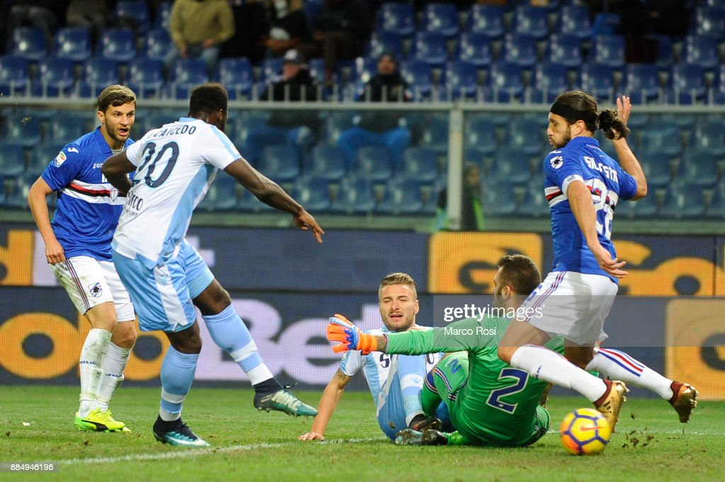 Felipe Caicedo of SS Lazio scores a second goal during the Serie A match between UC Sampdoria and SS Lazio at Stadio Luigi Ferraris on December 3, 2017 in Genoa, Italy.