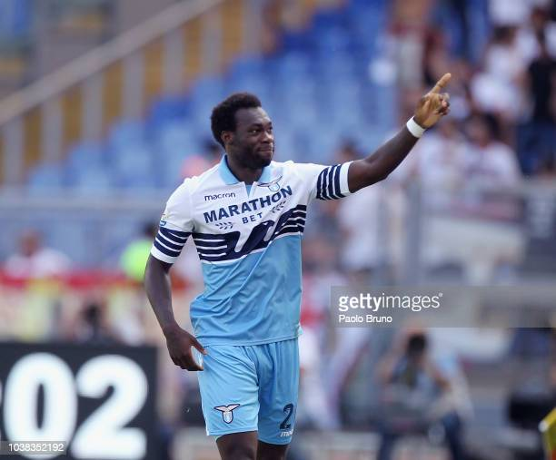 Felipe Caicedo with his teammates of SS Lazio celebrates after scoring the opening goal during the Serie A match between SS Lazio and Genoa CFC at...