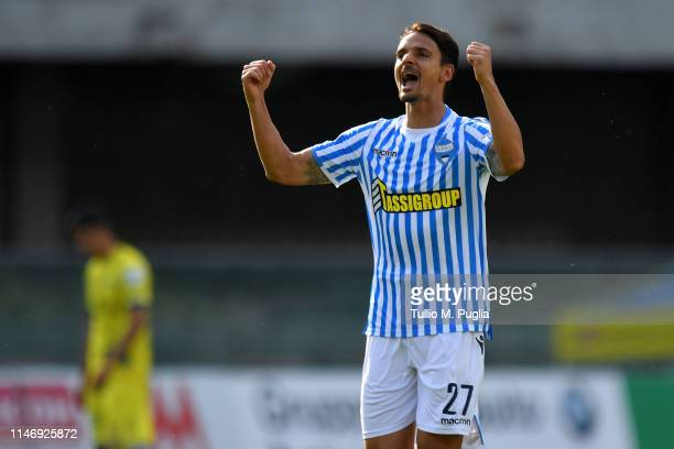 Felipe Dal Belo of SPAL celebrates after scoring the opening goal during the Serie A match between Chievo Verona and SPAL at Stadio Marc'Antonio...