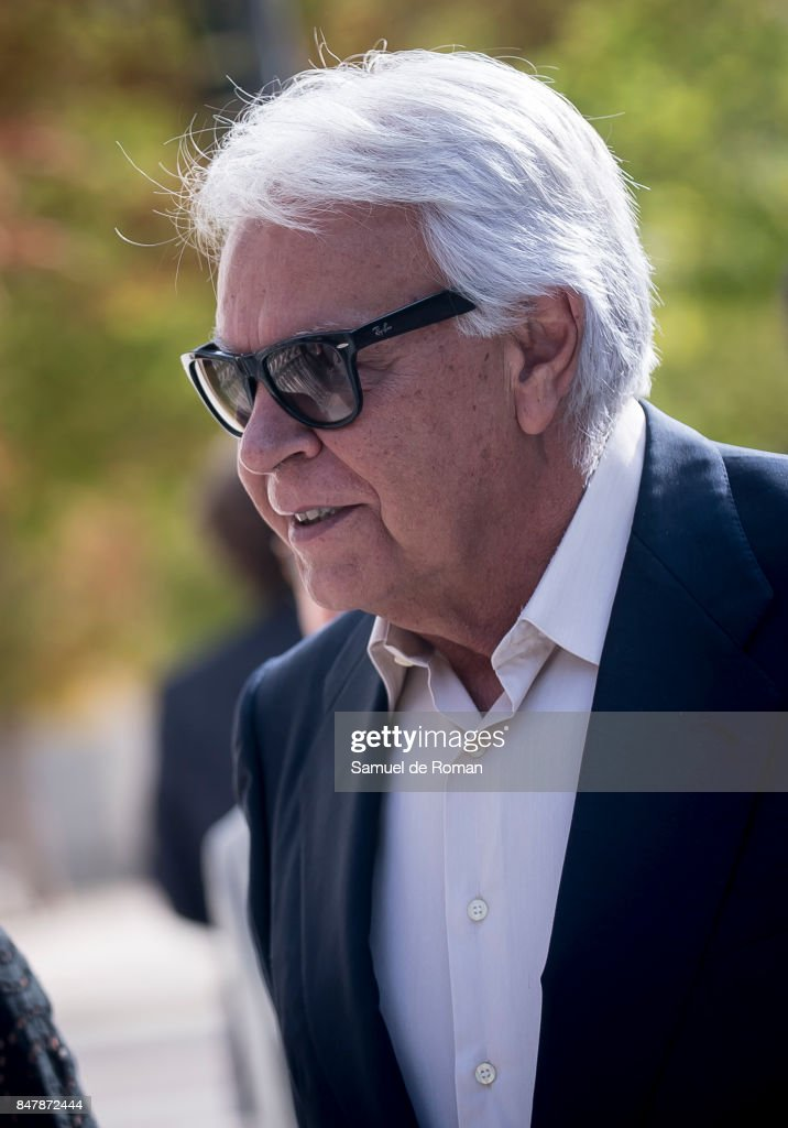 Felipe Gonzalez arrives to the Funeral Tribute For Angel Nieto in Madrid on September 16, 2017 in Madrid, Spain.