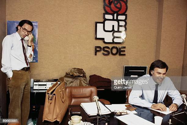 Felipe Gonzalez with Alfonso Guerra in the office of the central headquarters of the PSOE Felipe Gonzalez with Alfonso Guerra in the office of the...
