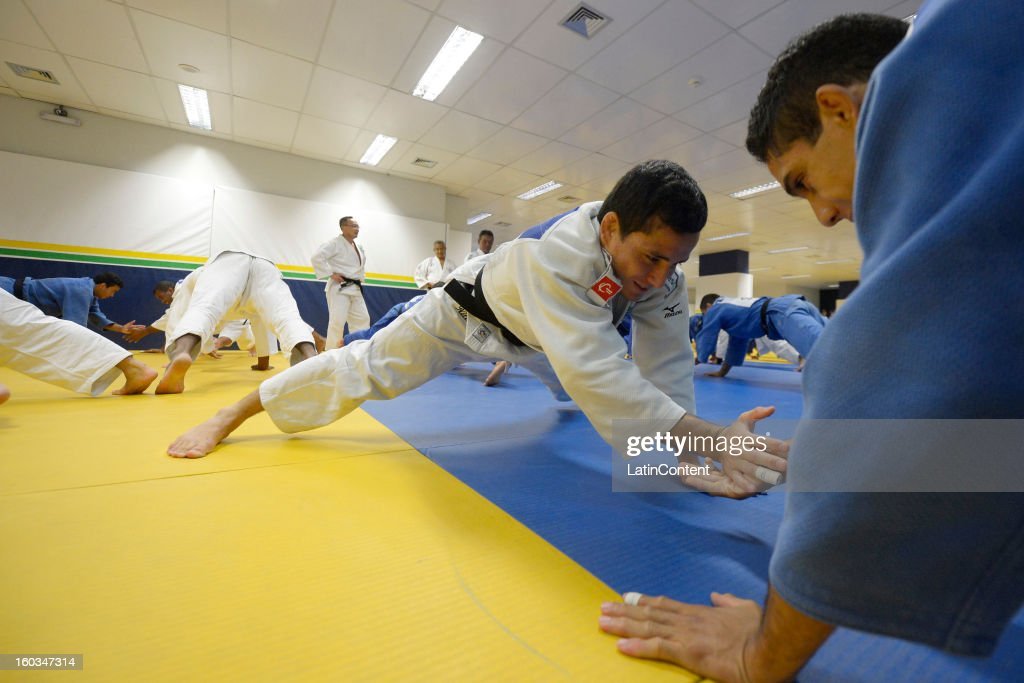 Felipe Kitadai in action during the first official training season of the team, who will represent Brazil in the Olympic Games Rio 2016, at Maria Lenk Aquatic Center on January 29, 2013 in Rio de Janeiro, Brazil.
