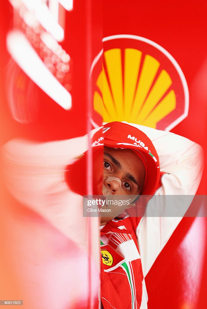 Bahrain Formula One Grand Prix: Practice : News Photo