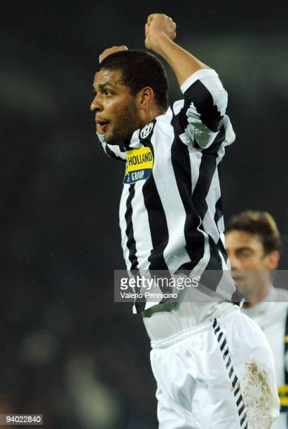 Felipe Melo of Juventus celebrates his goal during the Serie A match between Juventus and Inter Milan at Olimpico Stadium on December 5 2009 in Turin...