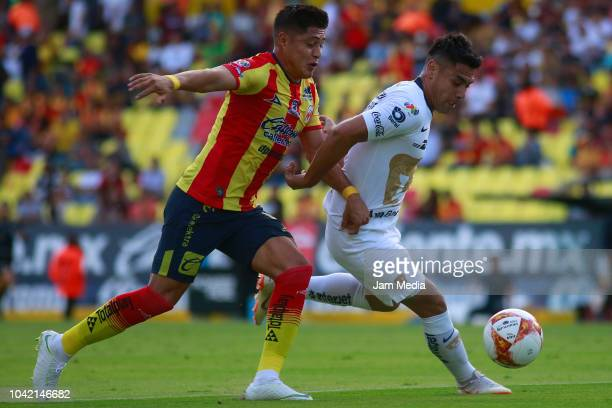 Diego Valdez of Morelia drives the ball during the 10th round match between Morelia and Pumas UNAM as part of the Torneo Apertura 2018 Liga MX at...