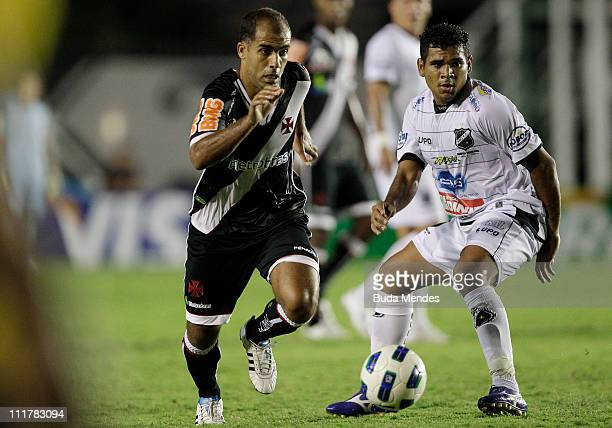 Felipe of Vasco struggles for the ball with Ederson of ABC during a match as part of Brazil Cup 2011 at Sao Januario stadium on April 06, 2011 in Rio...