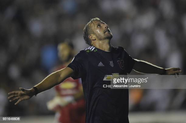 Felipe Seymour of Universidad de Chile reacts during a Group Stage match between Vasco and Universidad de Chile as part of Copa CONMEBOL Libertadores...