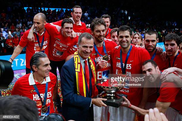 Felipe VI king of Spain and the Spanish team are celebrating the victory of the EuroBasket Final game between Spain v Lithuania at Stade Pierre...