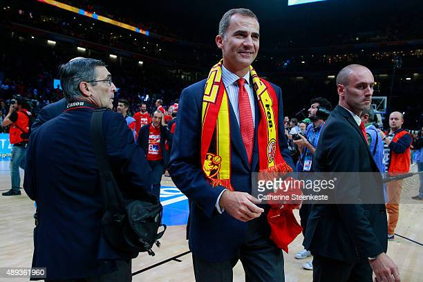 Felipe VI king of Spain is happy about Spain's victory of the EuroBasket Final game between Spain v Lithuania at Stade Pierre Mauroy on September 20,...