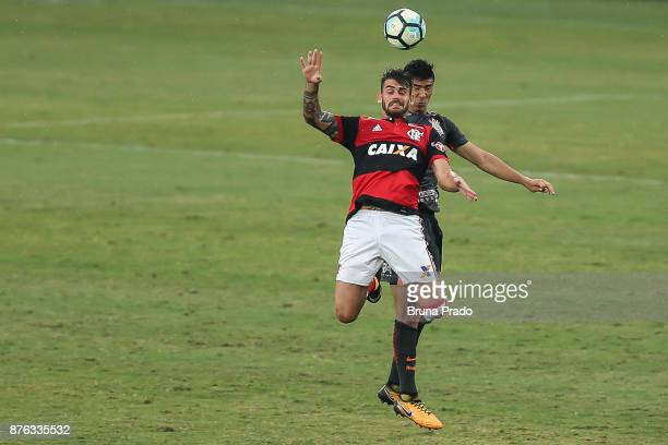 Felipe Vizeu of Flamengo struggles for the ball with a Balbuena of Corinthians during the Brasileirao Series A 2017 match between Flamengo and...