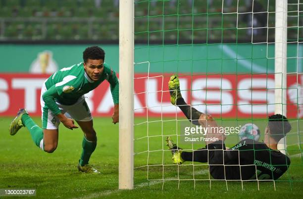 Felix Agu of Werder Bremen scores their side's second goal during the DFB Cup Round of Sixteen match between Werder Bremen and SpVgg Greuther Fürth...