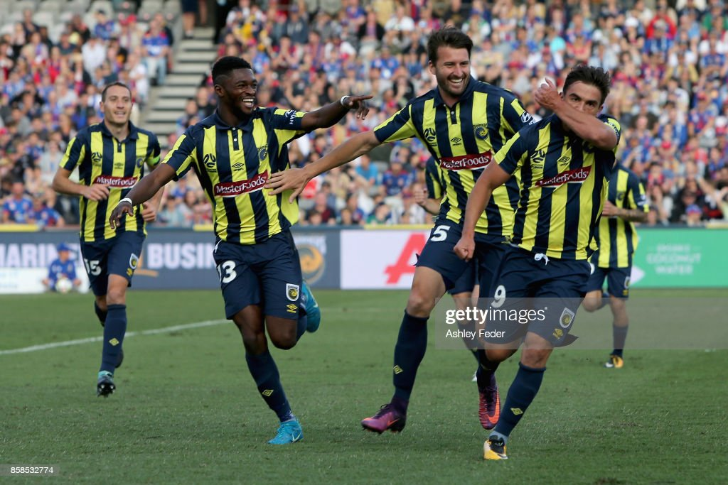 Felix Asdruval Padron Hernandez of the Mariners celebrates his goal with team mates during the round one A-League match between the Central Coast Mariners and the Newcastle Jets at Central Coast Stadium on October 7, 2017 in Gosford, Australia.