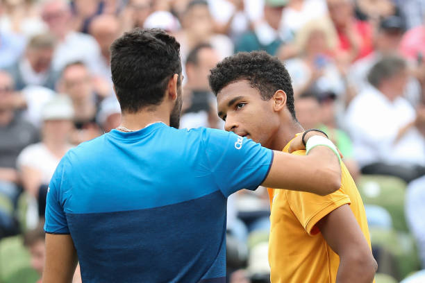 ATP STUTTGART 2019 - Page 4 Felix-augeraliassime-congratulates-matteo-berrettini-for-victory-the-picture-id1150223932?k=6&m=1150223932&s=612x612&w=0&h=fb5r5TmmngaYQ529THPsOYG9gTVWbIJW7VvHSDGWyYM=
