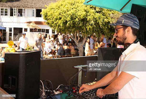 Felix Bloxsom of Plastic Plate performs at Hollister House on June 20 2014 in Santa Monica California