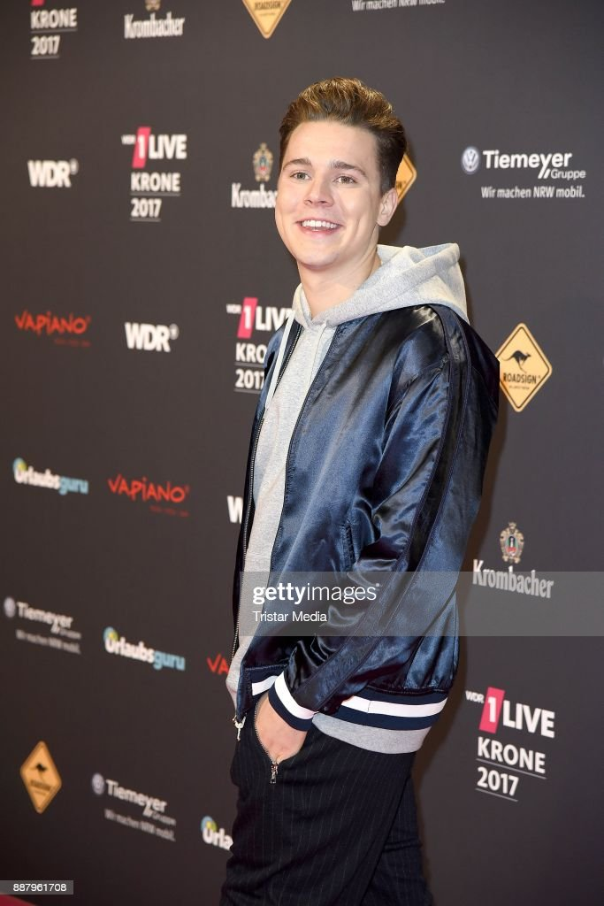 Felix Jaehn attends the 1Live Krone radio award at Jahrhunderthalle on December 7, 2017 in Bochum, Germany.
