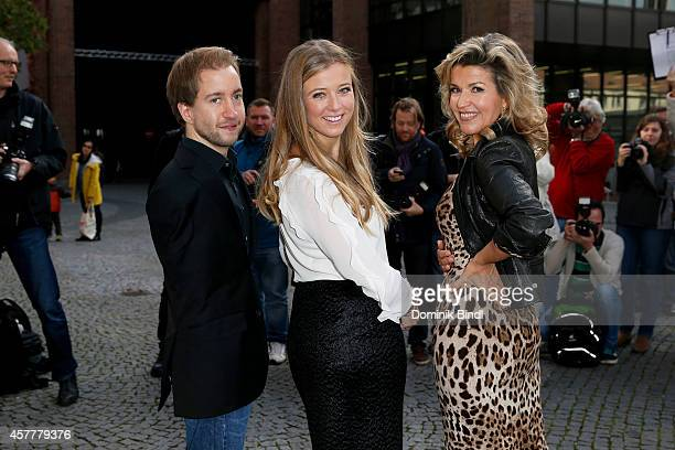 Felix Klieser Nina Eichinger and AnneSophie Mutter attend the ECHO Klassik 2014 photo call at Philharmonie on October 24 2014 in Munich Germany