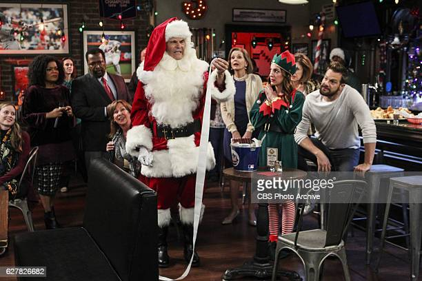 """Felix Navidad"""" -- When Felix learns that his perfectionist mother Meredith cannot host Christmas this year, he goes into a frenzy as he prepares to..."""