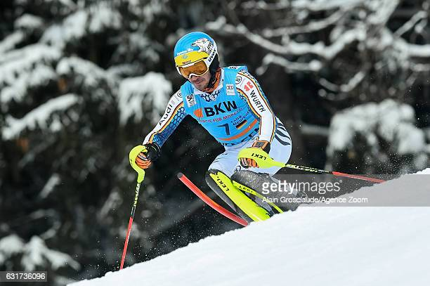 Felix Neureuther of Germany competes during the Audi FIS Alpine Ski World Cup Men's Slalom on January 15 2017 in Wengen Switzerland