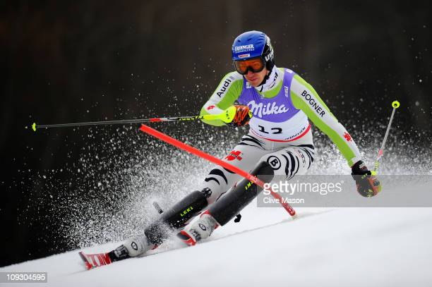 Felix Neureuther of Germany skis in the Men's Slalom during the Alpine FIS Ski World Championships on the Gudiberg course on February 20 2011 in...