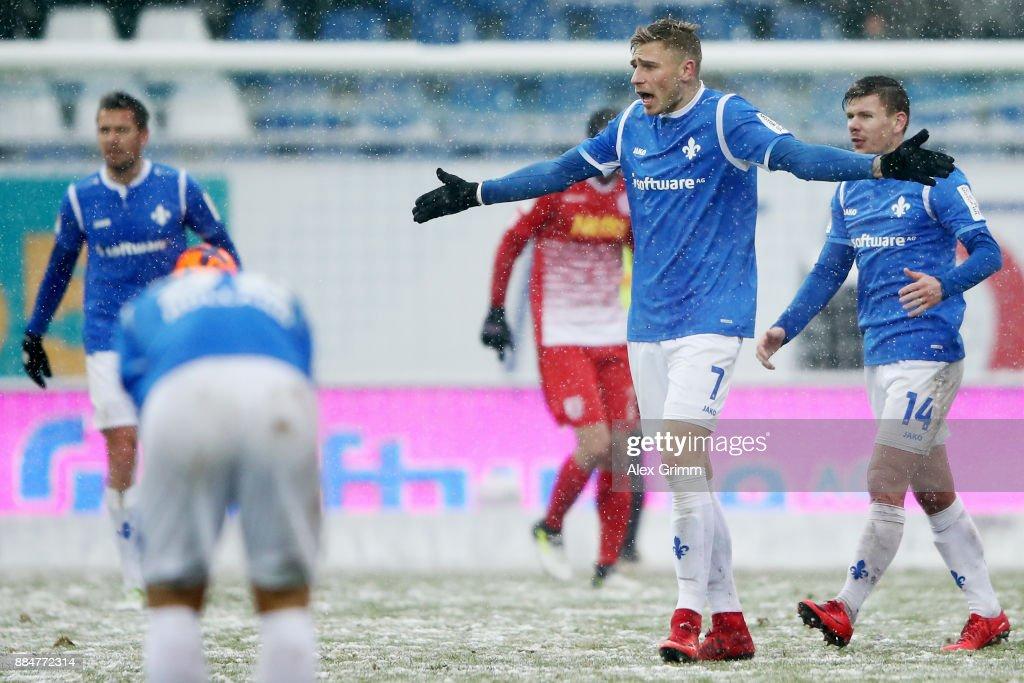 Felix Platte #7 of Darmstadt reacts during the Second Bundesliga match between SV Darmstadt 98 and SSV Jahn Regensburg at Merck-Stadion am Boellenfalltor on December 3, 2017 in Darmstadt, Germany.