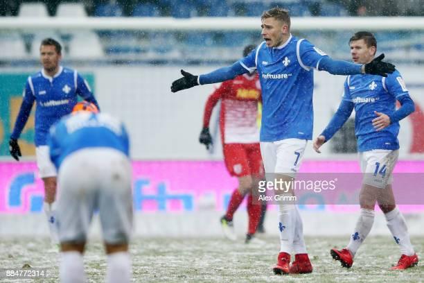 Felix Platte of Darmstadt reacts during the Second Bundesliga match between SV Darmstadt 98 and SSV Jahn Regensburg at Merck-Stadion am...