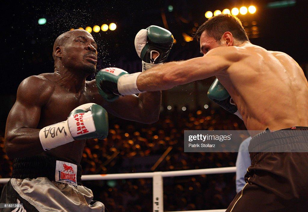 Felix Sturm v Randy Griffin - WBA World Championship : News Photo
