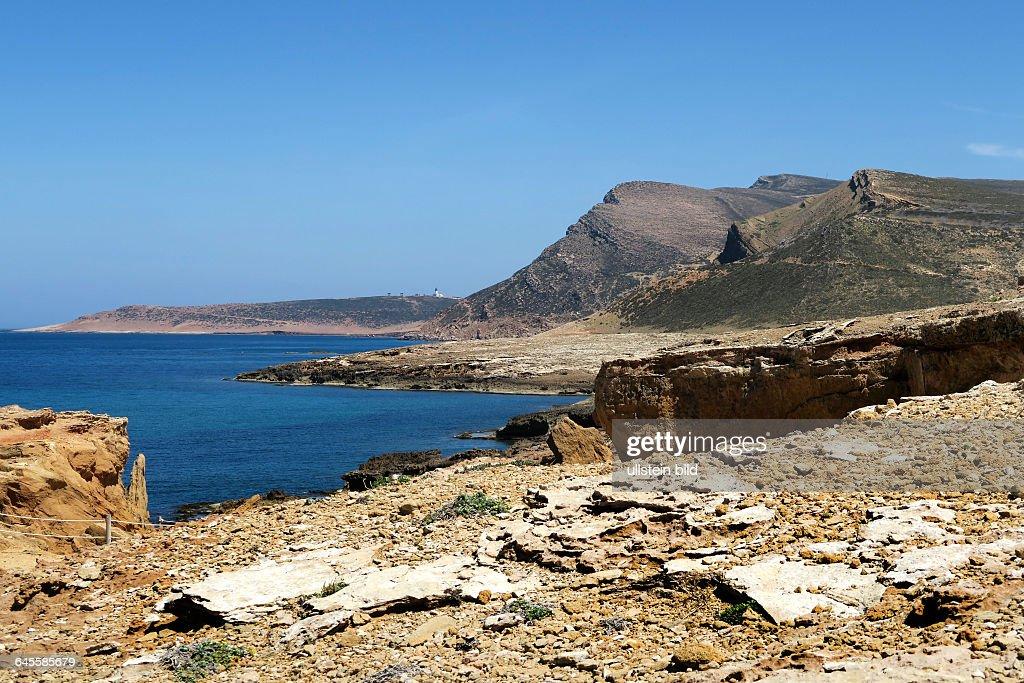 Felsenküste An Der Nordspitze Der Halbinsel Cap Bon Bei El Haouaria,  Bekannt Für Unterirdische Steinbrüche