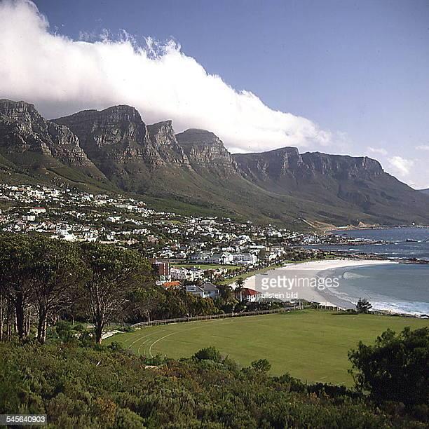 Felsformation `Zwölf Apostel'bei Kapstadt oJ