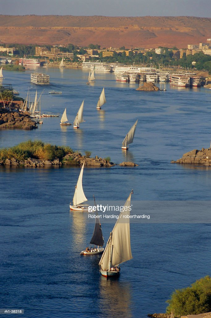 Feluccas on the River Nile, Aswan, Egypt, North Africa : Foto de stock