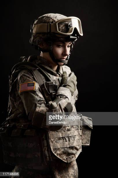 female american soldier - military uniform stock pictures, royalty-free photos & images
