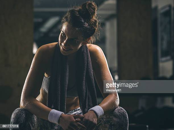 female athlete resting - weekend activities stock pictures, royalty-free photos & images