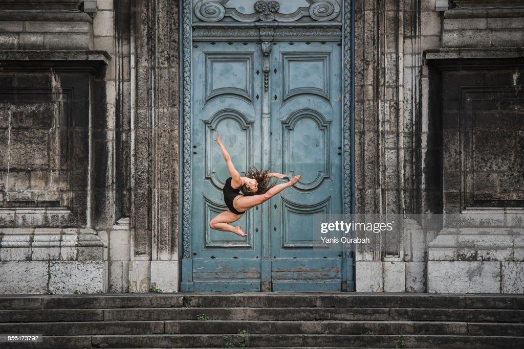 Female ballet dancer dancing in Lyon, France : Stock Photo