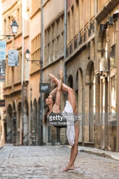 female ballet dancer dancing in lyon, france - ロシアバレエ団 ストックフォトと画像