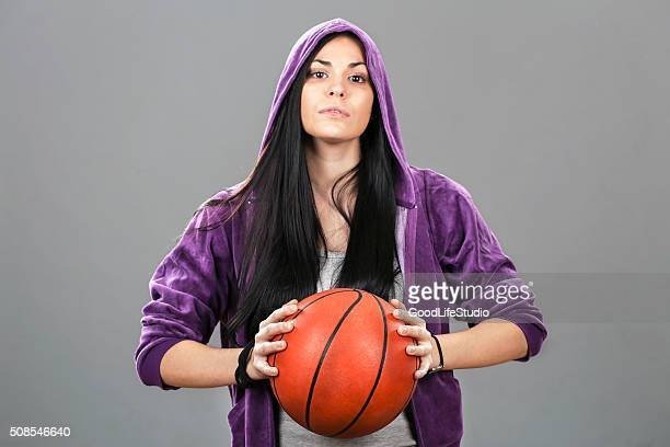 female basketball player - women's basketball stock pictures, royalty-free photos & images