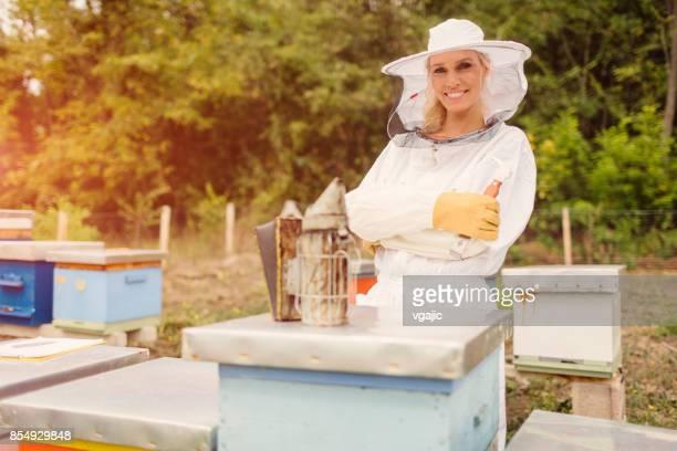 雌養蜂家 - 養蜂家 ストックフォトと画像