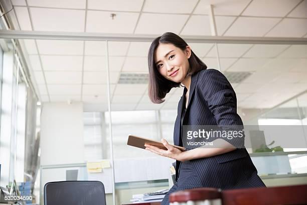 Weiblichen Chef tablette