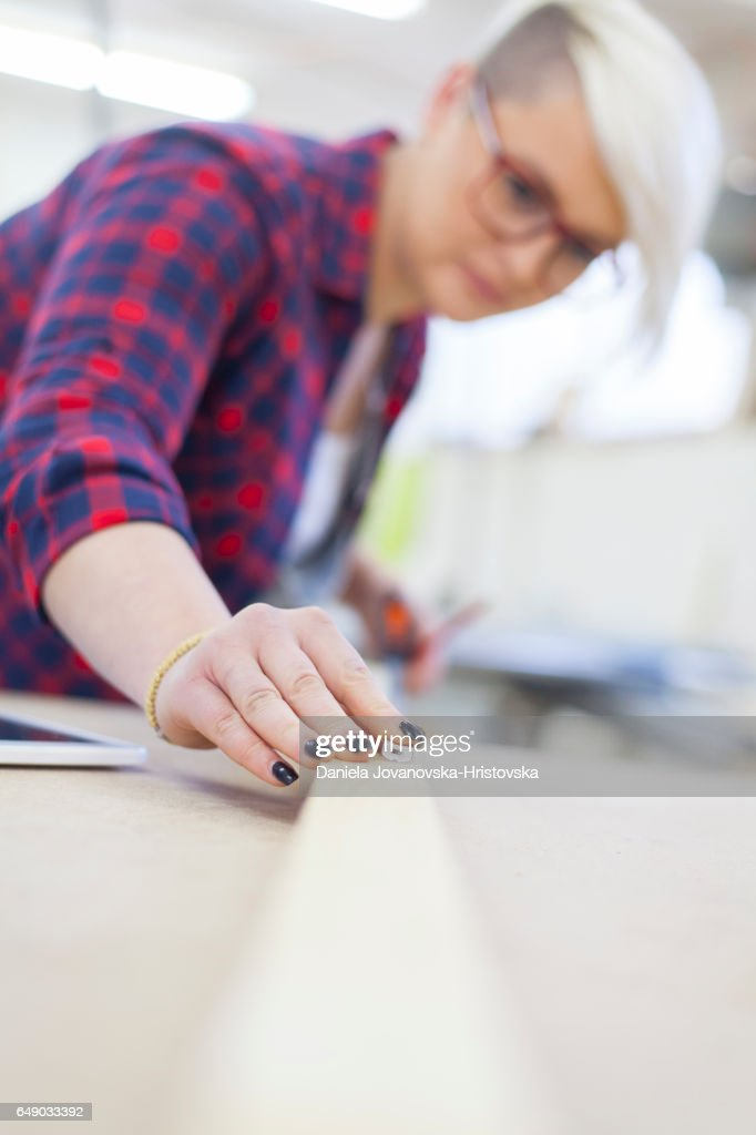 female carpenter : Foto stock
