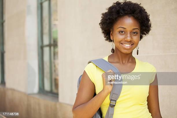 Estudante universitário feminino