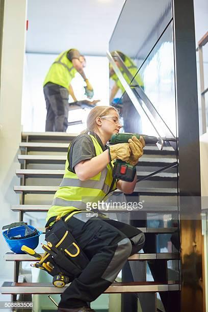 雌建設作業員フィットの手すり