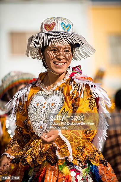 female dancer in traditional costume, fiesta de la virgen de la candelaria, copacabana, lake titicaca, bolivia, south america - fiesta de la virgen de la candelaria fotografías e imágenes de stock