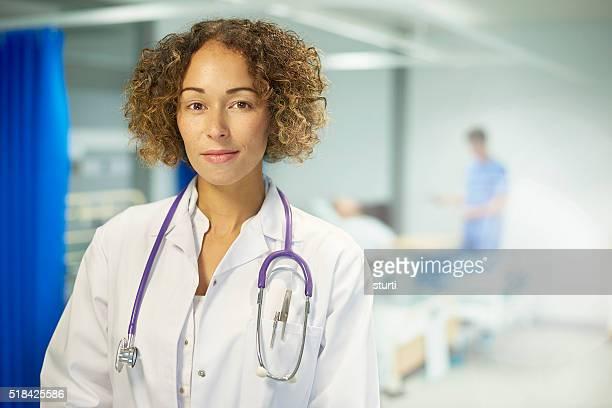 Retrato de mujer médico