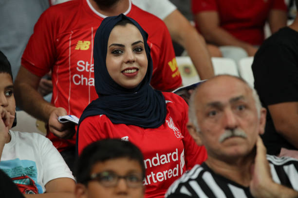 SUPER COUPE EUROPE UEFA 2019 Female-fan-of-liverpool-wearing-a-head-dress-looks-on-during-the-uefa-picture-id1161641568?k=6&m=1161641568&s=612x612&w=0&h=rjZGVEk4Mbd4tJeU5W20vGy0NKGEdoFJNWPAq3qC-0c=