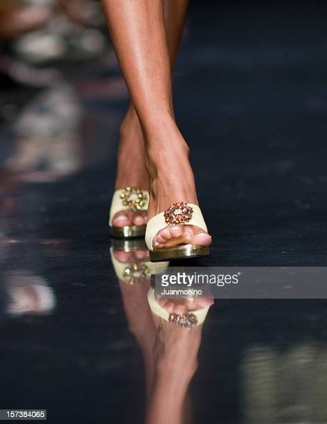 female feet - female foot models stock pictures, royalty-free photos & images