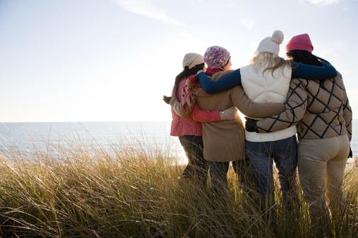 Female friends by the sea - gettyimageskorea