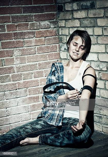 female heroin addict - heroin stock pictures, royalty-free photos & images
