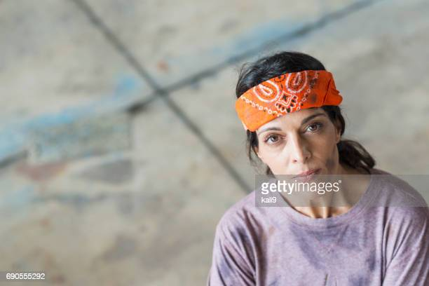 female, hispanic blue collar worker - do rag stock pictures, royalty-free photos & images