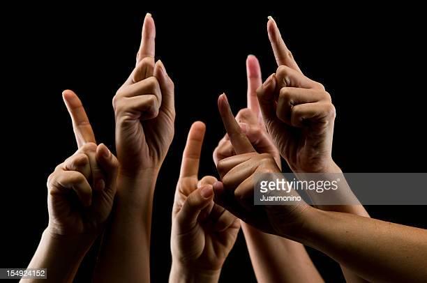 fêmea mãos humanas sobre preto virado para cima - dedo humano imagens e fotografias de stock