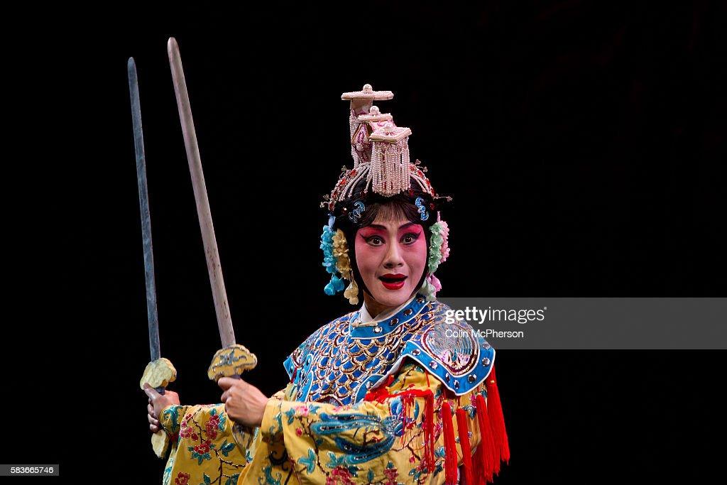 Costume Of Peking Opera & Top Grade Professional Beijing Opera