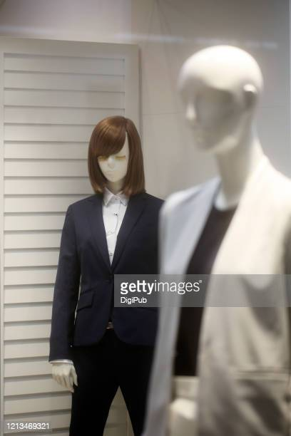 female like mannequin in warm clothinsuitg - 実物大 ストックフォトと画像